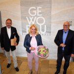Blumen und Wein für den Aufsichtsrat