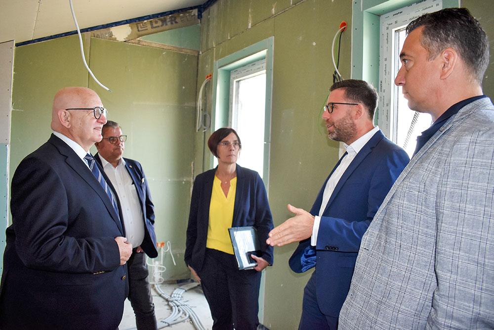 Besuch der FDP im Solar Quartier